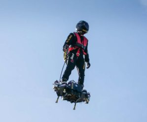 The Flyboard Air hoverboard, star of the parade